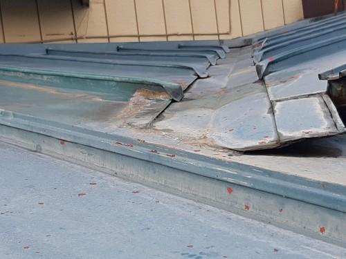ケイナスホーム 屋根 塗膜の剥がれ 錆の発生