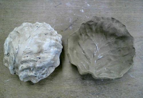 キャベツの葉の型を石膏で作り、早速、小鉢を作ってみました。