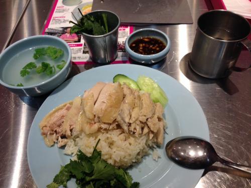 タイで有名なピンクのカオマンガイ実食!