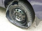 今日のレッカー作業。高速道路でタイヤ、バースト!