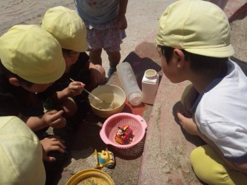 今日は土曜日、幼稚園二次保育チーム、朝から託児所で一日保育
