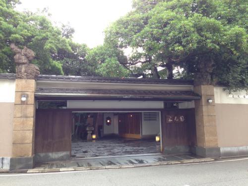 清川の三光園のちょっと先です