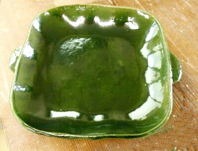陶芸教室 東京 国立けんぼう窯 見事な発色、総織部の角皿。