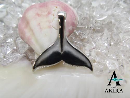 イルカのペンダント 尾びれ プラチナ900
