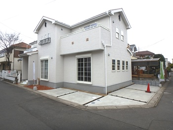 見沼区大谷 南西南東角地 南欧風新築住宅 2,180万円
