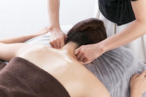 首肩の痛み・スッキリさせたい・経絡リンパ