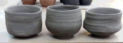 陶芸教室 東京国立 けんぼう窯 志野茶碗を作っています。