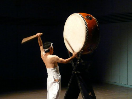 埼玉県さいたま市小学校邦楽授業和太鼓演奏、和太鼓上尾