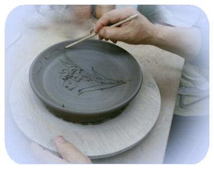 今月の集中講座は黄瀬戸の皿作り。陶芸教室 国立けんぼう窯
