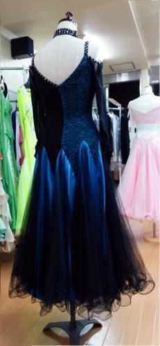ブルー系のドレス