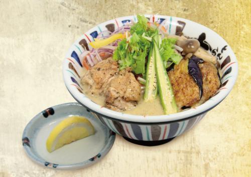 限定麺の最高傑作グリーンカレーラーメンを9月より販売開始!