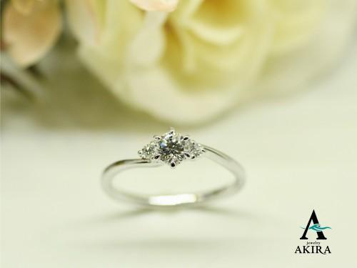 婚約指輪を買うならオーダーメイドでも既製品価格で