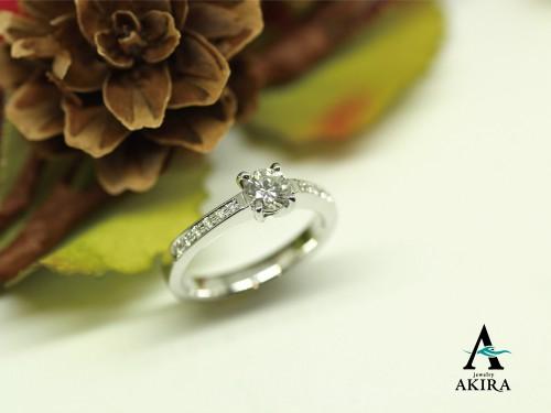 婚約指輪を新しいデザインにいたしました