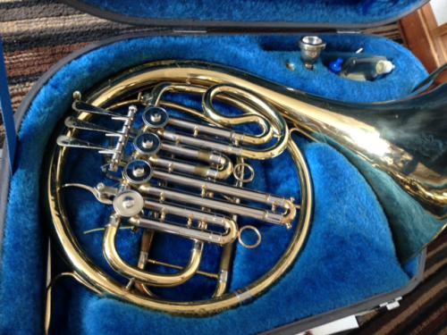 札幌市北区のお客様より楽器の買取依頼です。