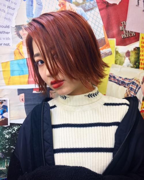TLONY渋谷 冬のオレンジカラーのポイント