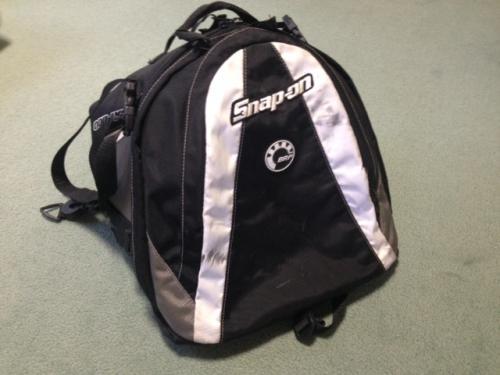 スノーモービル用のバッグを出張買取りさせて頂きました。札幌