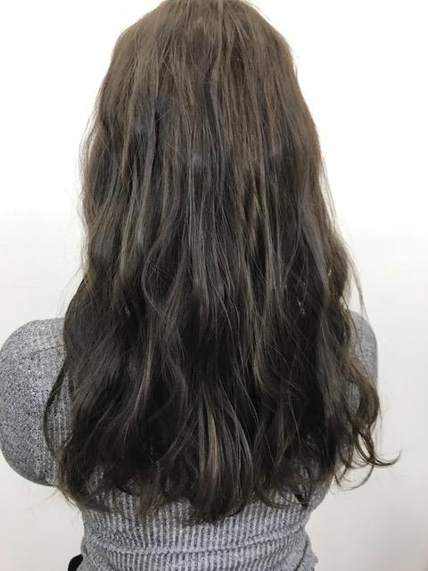 黒髪からの透け感のあるグレージュに♪♪