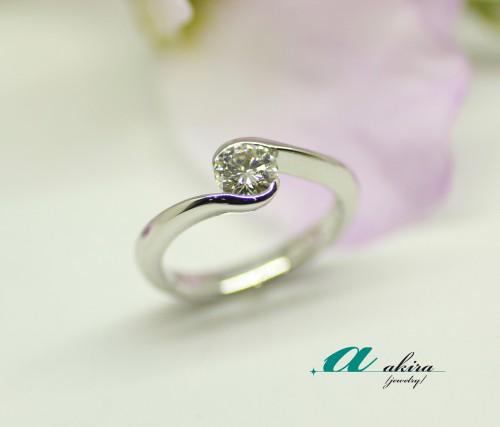 0.5カラット普段使い出来るリングに婚約指輪をリメイク