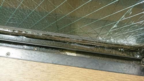 世田谷区 雨漏り調査 ガラスとサッシ