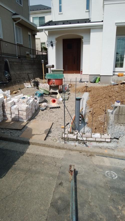 泉区で外構工事。