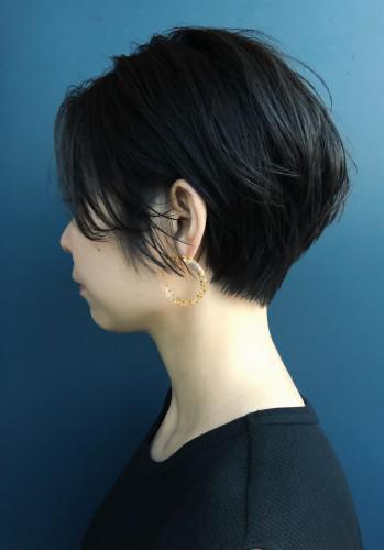 大人女子 × ショートヘアスタイル