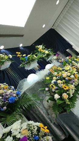 真夏日の葬儀式