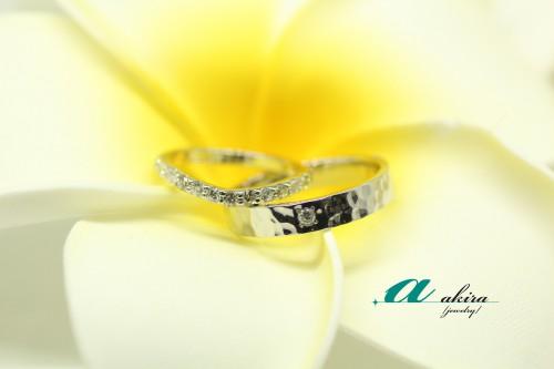 エタニティリングと槌目リングの結婚指輪