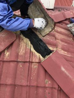 川越市で屋根瓦の補修工事をしてきました