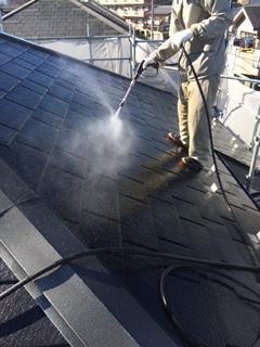 川越市で屋根の高圧洗浄をしてきました