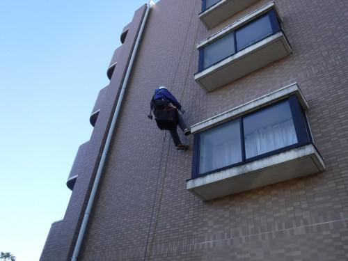 川口市で外壁タイルの打診調査を実施しました!