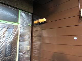 小川町で玄関廻りの塗装工事を施工しました