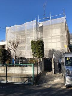 東松山市で屋根・外壁塗装工事中です