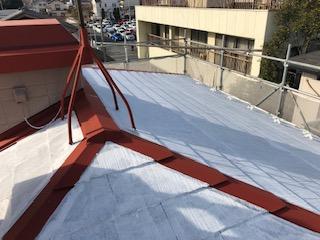 東松山市で屋根の下塗り工事を施工しました