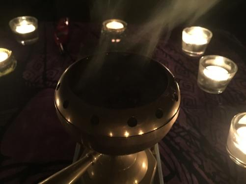 2/20,魚座満月、3/21,牡羊座満月の夜の薫香儀式