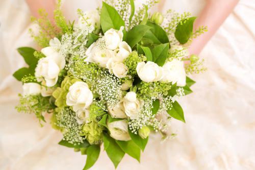 使いたいお花で結婚式の日程を決めるのもあり 【札幌結婚式】