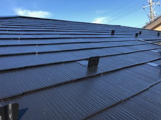 坂戸市で屋根コロニアルの塗装工事を施工しました