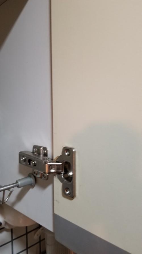 チョウバン(蝶番、丁番)扉修理|家具修理|椅子生地張替