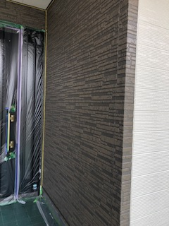 坂戸市でサイディング目地2色塗り分け塗装工事を施工しました