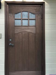 鶴ヶ島市で玄関ドアの塗装を施工してきました