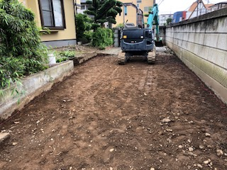 鶴ヶ島市で駐車場の下地工事を施工