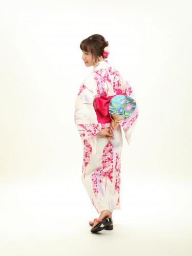 もうすぐ隅田川花火大会!浴衣のお支度承ってます!