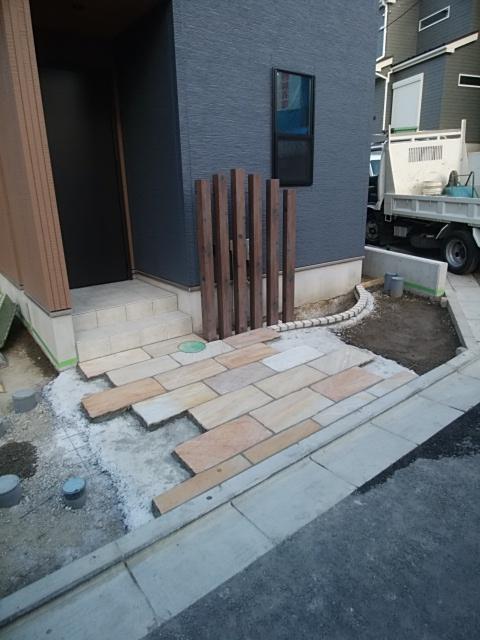 神奈川区で外構工事。