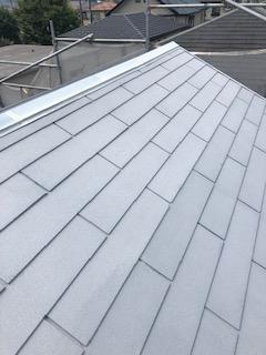 毛呂山町で屋根コロニアルの下塗り工事を施工してきました