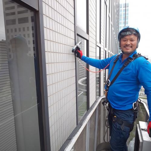 品川区 某ビル ゴンドラ窓ガラス清掃
