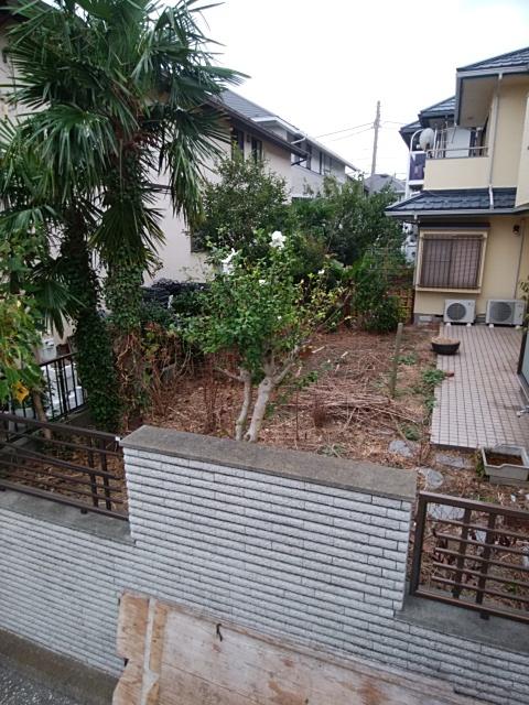金沢区庭の改修工事。
