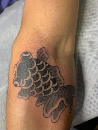 tattoo ワンポイント 金魚
