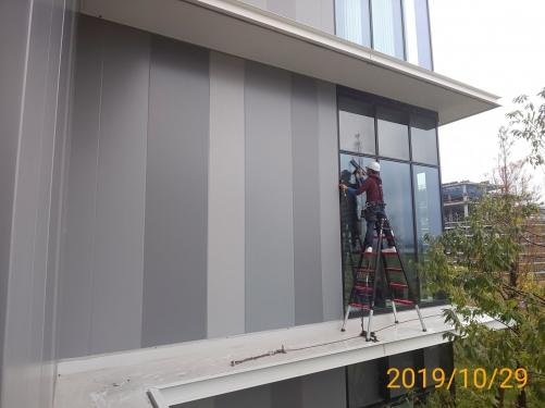 横浜 臨時窓ガラス清掃