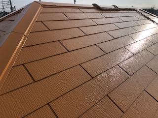 日高市の屋根中塗り塗装工事を施工しました