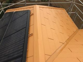 日高市で屋根コロニアルの塗装工事が完了しました