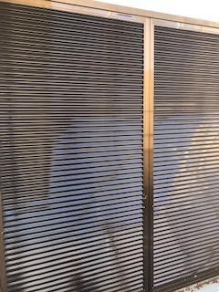 坂戸市で雨戸塗装工事を施工しました